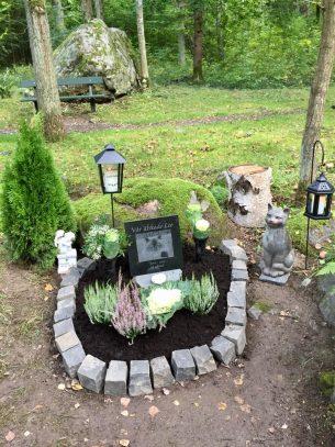 Gravplats gravsten katt Leo